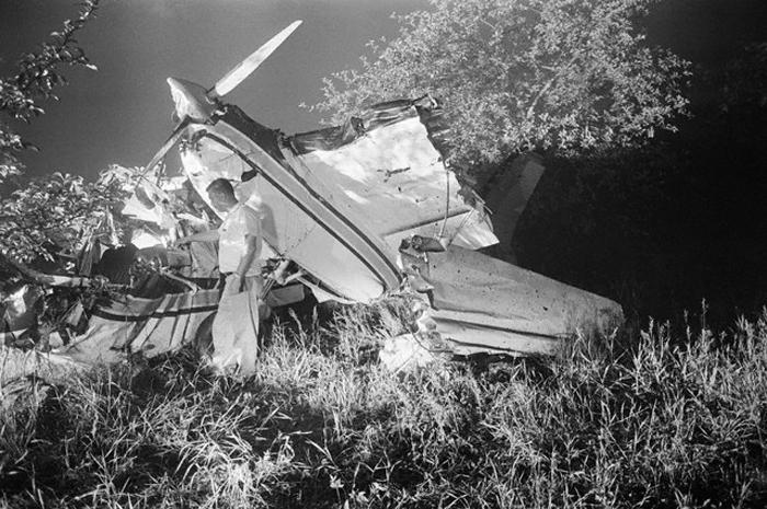 Crash Of An Aero Commander 680 In Westfield 2 Killed