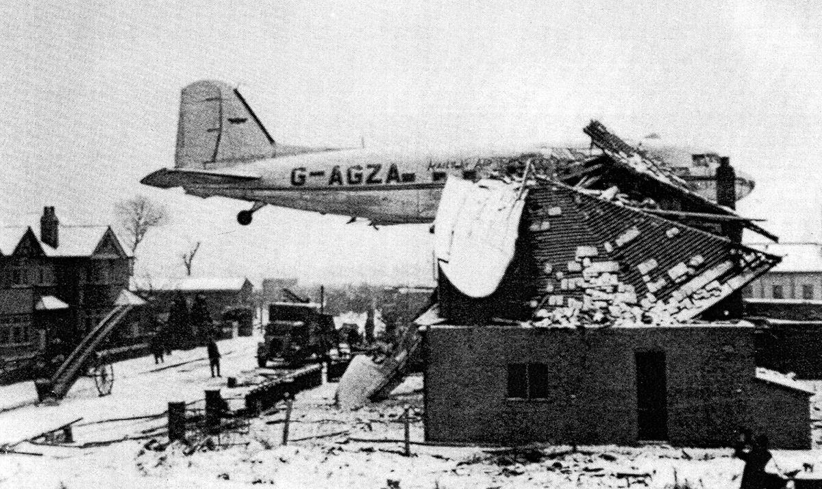 Crash Of A Douglas C 47a 10 Dk In Ruislip Bureau Of