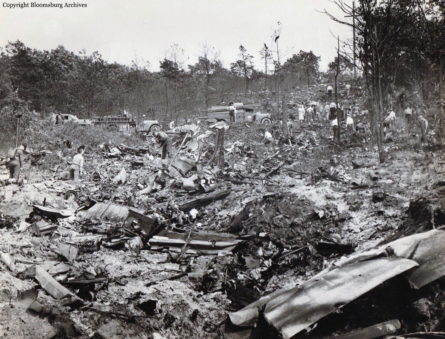 Crash of a Douglas DC-6 in Mount Carmel: 43 killed | Bureau