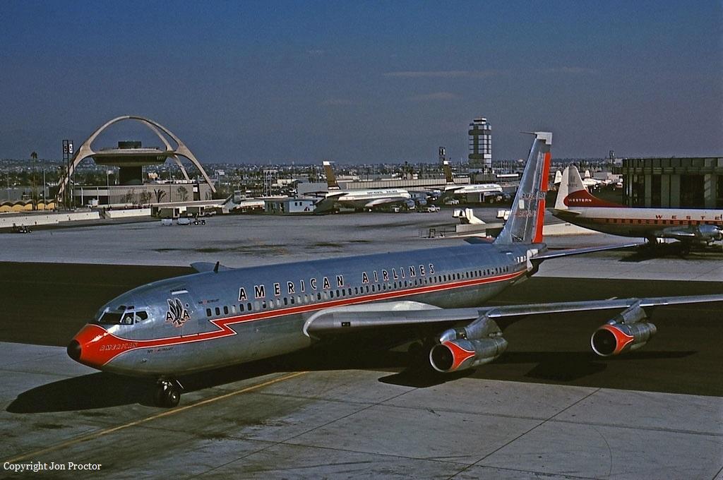 Crash Of A Boeing 707 123b In New York 95 Killed Bureau