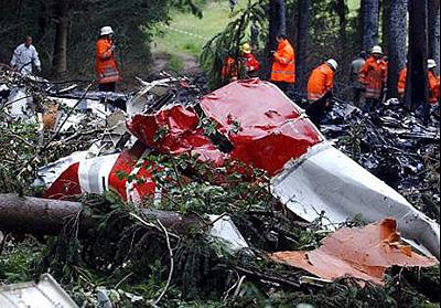 crash of a boeing 757 in berlingen 2 killed bureau of. Black Bedroom Furniture Sets. Home Design Ideas