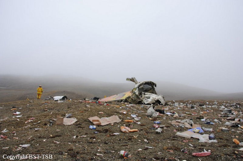 Crash of a Boeing 737-210C in Resolute Bay: 12 killed