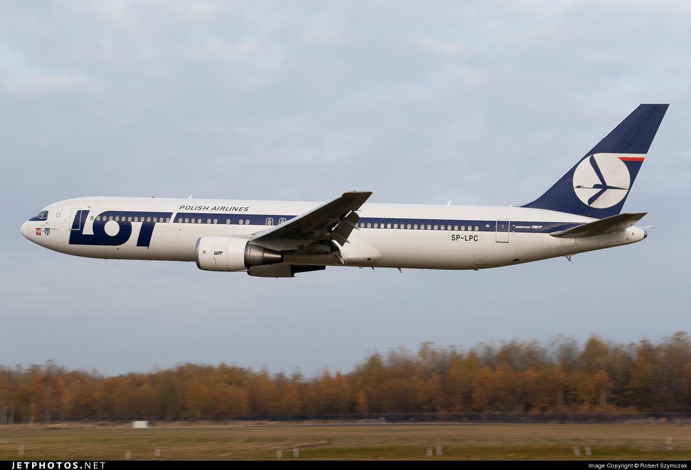 Crash of a Boeing 767-35DER in Warsaw   Bureau of Aircraft
