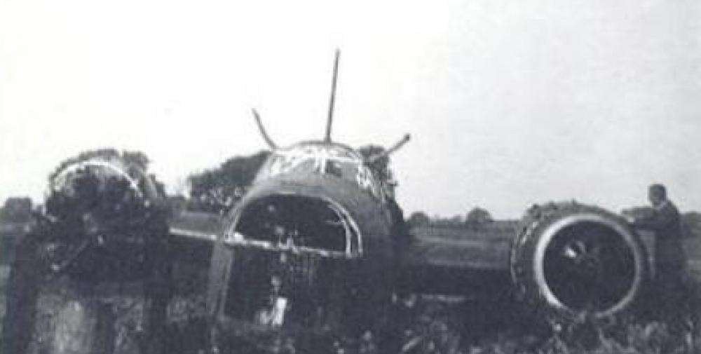 Crash of a Vickers 290 Wellington I in RAF Carew Cheriton