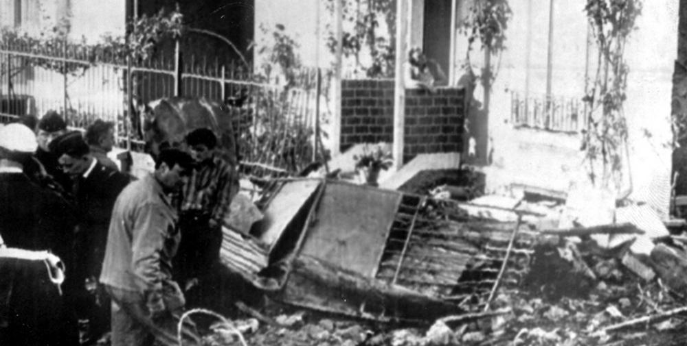 Crash of a boeing in paris killed bureau of