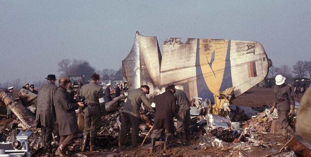 Crash of a Convair CV-440-0 Metropolitan in Bremen: 46 killed