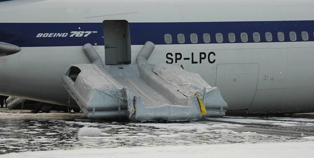Crash of a Boeing 767-35DER in Warsaw | Bureau of Aircraft